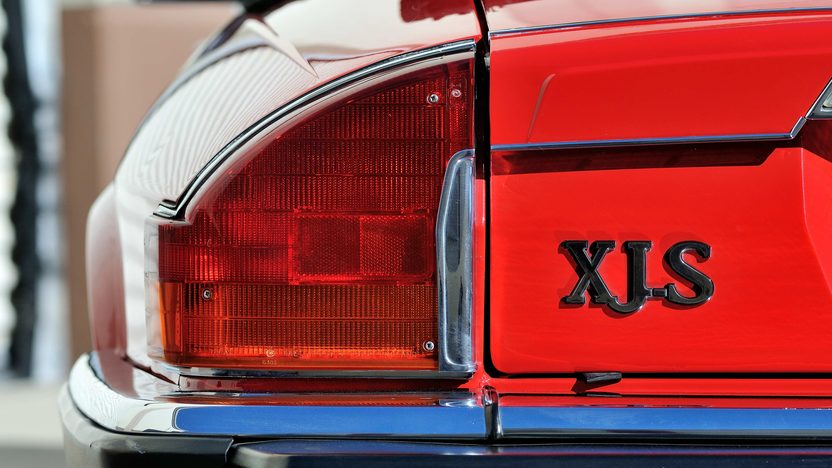 1990 Jaguar XJS Convertible 5.3L V-12, Red/Saddle presented as lot F278 at Houston, TX 2013 - image8