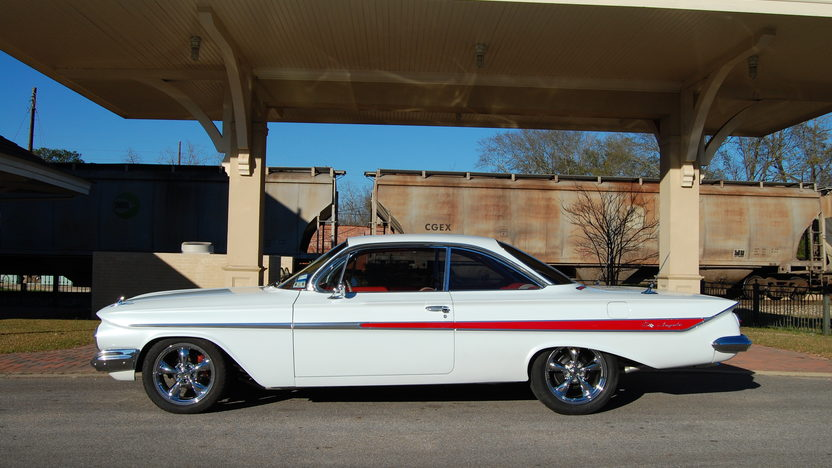1961 Chevrolet Impala Bubble Top 350 CI, Automatic presented as lot F298 at Houston, TX 2013 - image2