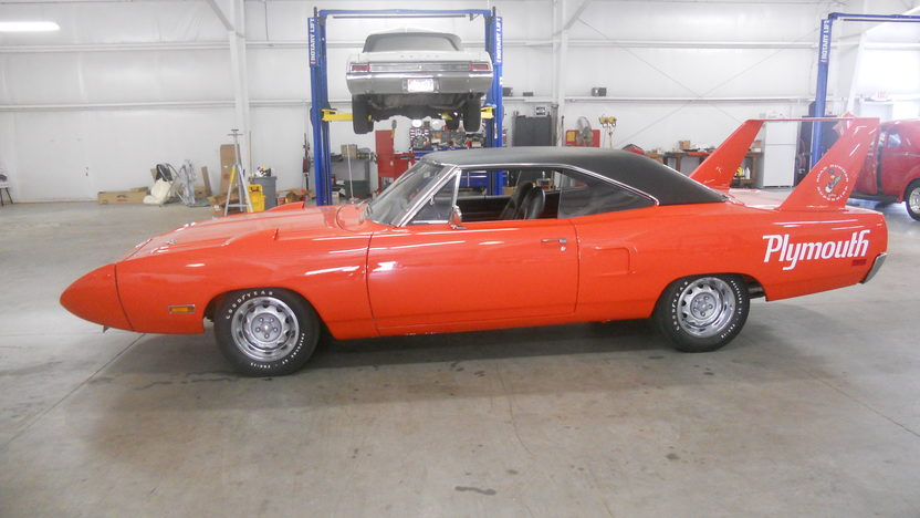 1970 Plymouth Superbird 440 CI, Automatic presented as lot F308 at Houston, TX 2013 - image2