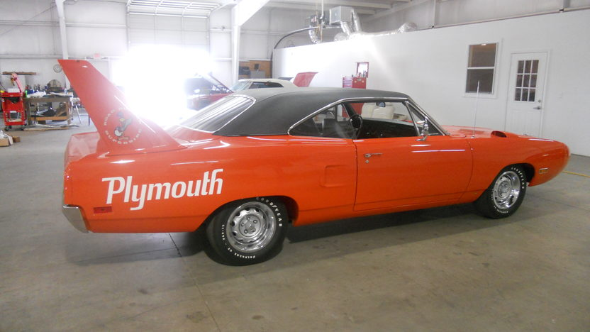 1970 Plymouth Superbird 440 CI, Automatic presented as lot F308 at Houston, TX 2013 - image6