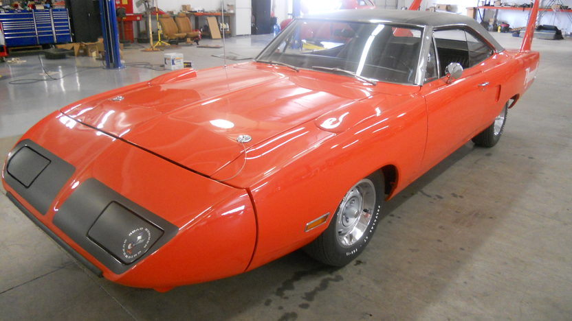1970 Plymouth Superbird 440 CI, Automatic presented as lot F308 at Houston, TX 2013 - image7