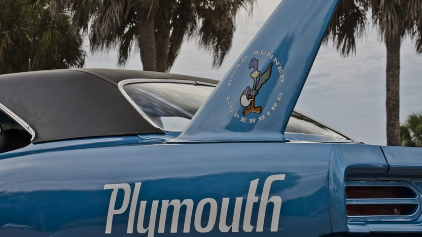 1970 Plymouth Superbird V-Code 440/390 HP, 4-Speed presented as lot S154 at Houston, TX 2013 - image10