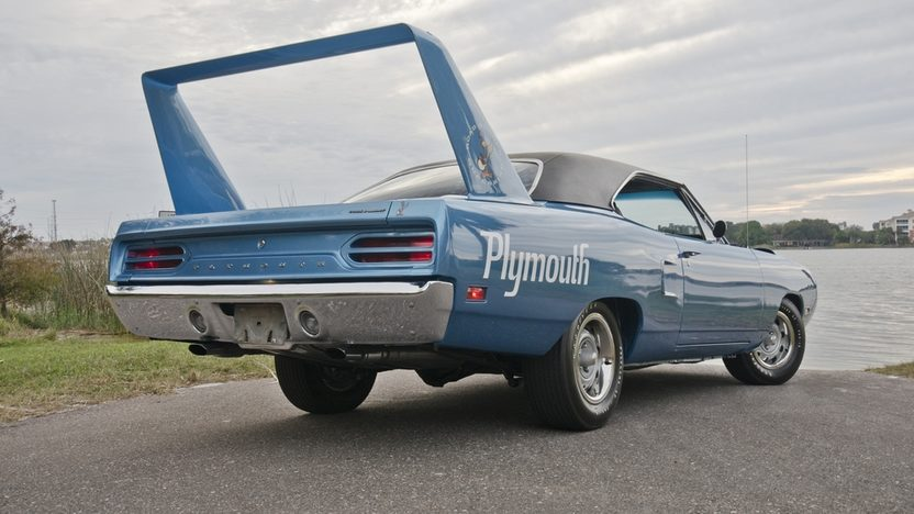 1970 Plymouth Superbird V-Code 440/390 HP, 4-Speed presented as lot S154 at Houston, TX 2013 - image9