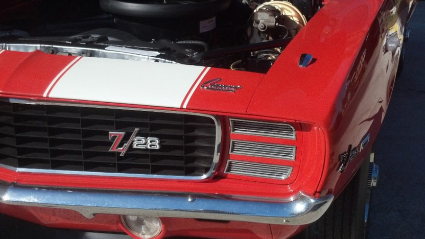 1969 Chevrolet Camaro RS Z28 302 CI, 4-Speed presented as lot S164 at Houston, TX 2013 - image7