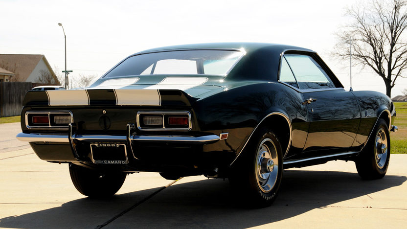 1968 Chevrolet Camaro Z28 302/290 HP, 4-Speed presented as lot S208 at Houston, TX 2013 - image2