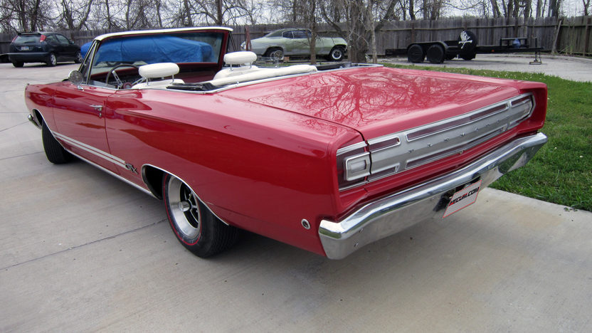 1968 Plymouth GTX Convertible 440 CI, 4-Speed presented as lot S79 at Houston, TX 2013 - image3