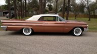 1960 Pontiac Bonneville Convertible 389/318 HP, Automatic presented as lot S225 at Houston, TX 2013 - thumbail image10