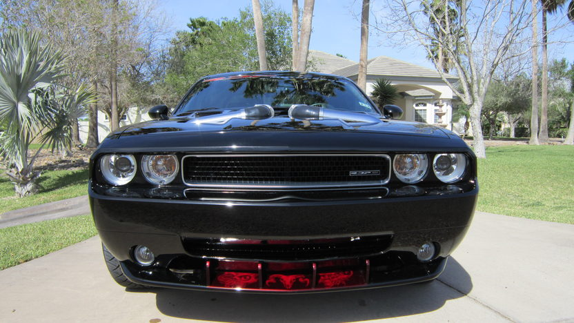 2009 Dodge Challenger presented as lot S258 at Houston, TX 2013 - image10
