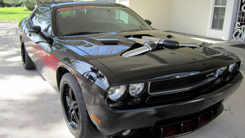 2009 Dodge Challenger presented as lot S258 at Houston, TX 2013 - image12