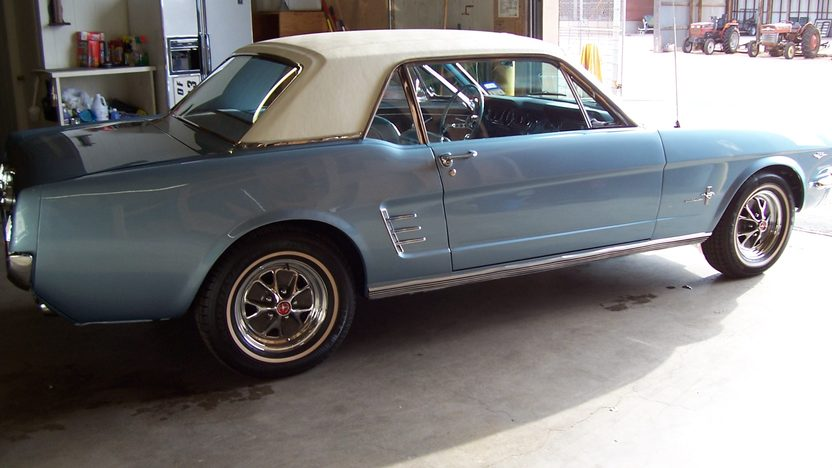 1966 Ford Mustang presented as lot S273 at Houston, TX 2013 - image2