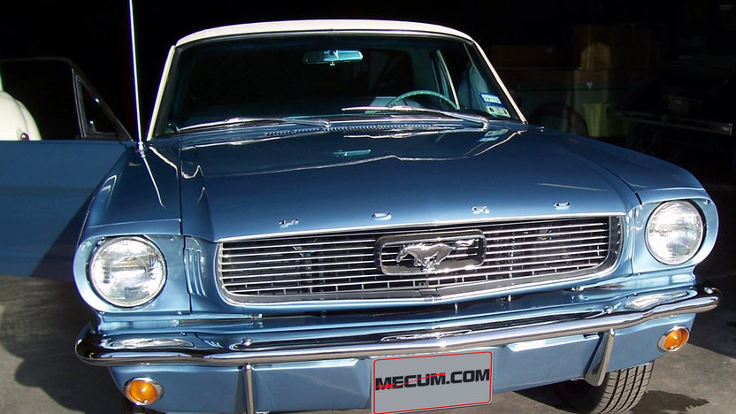 1966 Ford Mustang presented as lot S273 at Houston, TX 2013 - image8