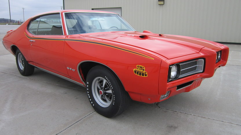 1969 Pontiac GTO Judge 400/366 HP, 4-Speed presented as lot S41 at Houston, TX 2013 - image11