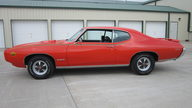 1969 Pontiac GTO Judge 400/366 HP, 4-Speed presented as lot S41 at Houston, TX 2013 - thumbail image2