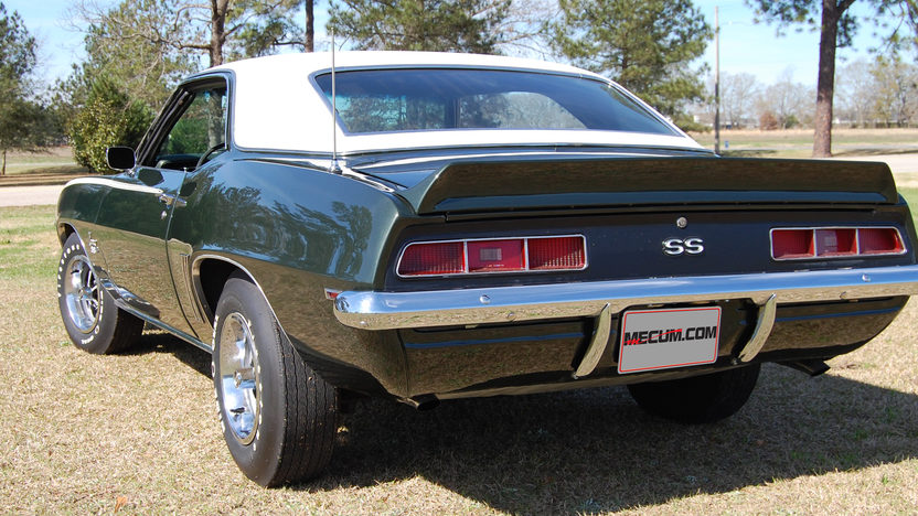 1969 Chevrolet Camaro 396/375 HP, 4-Speed presented as lot S74 at Houston, TX 2013 - image3