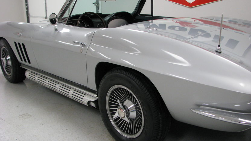 1965 Chevrolet Corvette Convertible 327/350 HP, 4-Speed presented as lot S84 at Houston, TX 2013 - image6
