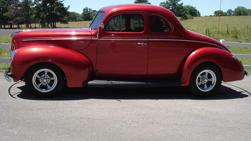 1940 Ford Coupe Street Rod 5.0L, Automatic presented as lot S86 at Houston, TX 2013 - image7