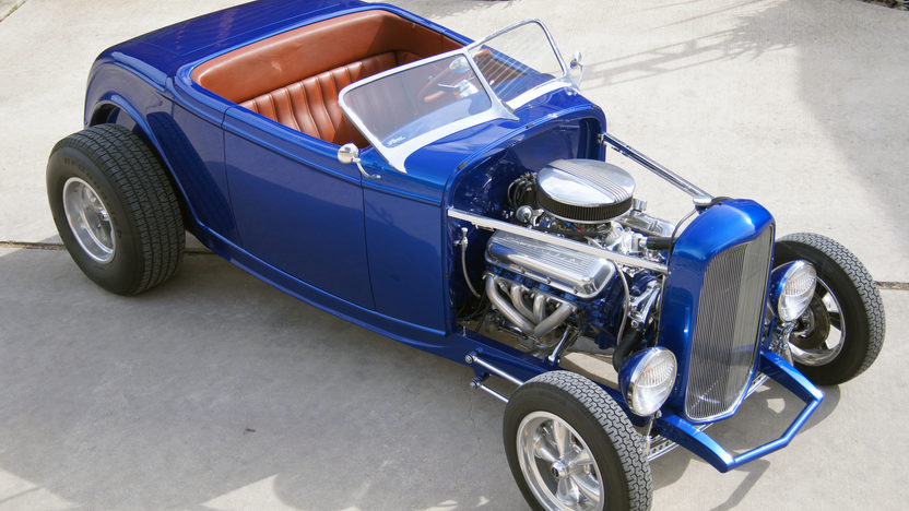 1932 Ford Roadster Street Rod 454 CI, Fiberglass Body presented as lot S91 at Houston, TX 2013 - image9