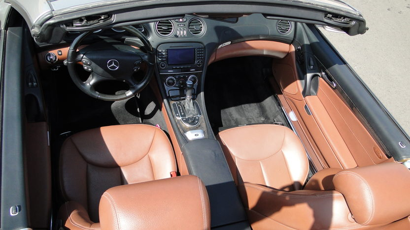 2007 Mercedes-Benz SL550 presented as lot S108 at Houston, TX 2013 - image4