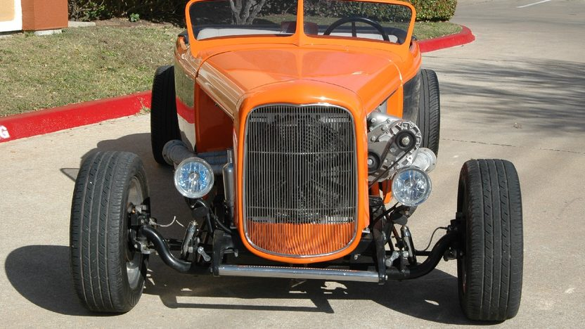 1927 Ford Roadster Street Rod 383/500 HP, Automatic presented as lot F63 at Houston, TX 2013 - image11