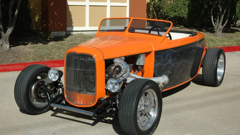1927 Ford Roadster Street Rod 383/500 HP, Automatic presented as lot F63 at Houston, TX 2013 - image12