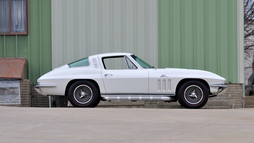 1965 Chevrolet Corvette Coupe 396/425 HP, 4-Speed presented as lot F191.1 at Houston, TX 2013 - image2