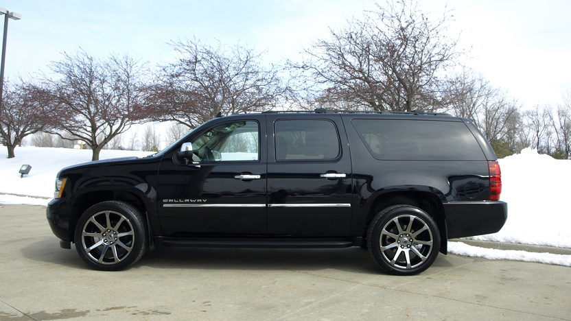 2013 Chevrolet Suburban Callaway 5.3/450 HP, 3,000 Miles presented as lot F130.1 at Houston, TX 2013 - image2