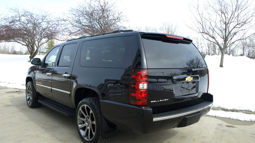 2013 Chevrolet Suburban Callaway 5.3/450 HP, 3,000 Miles presented as lot F130.1 at Houston, TX 2013 - image3