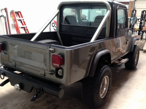 1982 Jeep Scrambler 258 CI, Automatic presented as lot T17 at Houston, TX 2013 - image2