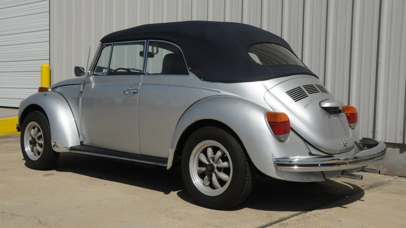 1971 Volkswagen Super Beetle Convertible 1600 CC, 4-Speed presented as lot T60 at Houston, TX 2014 - image2
