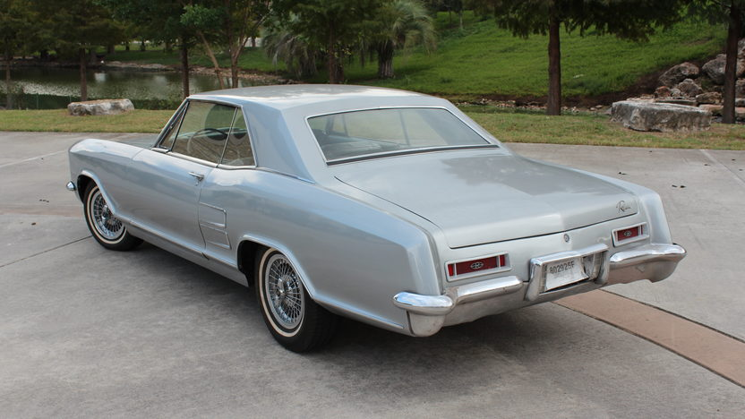 1964 Buick Riviera Coupe 425 CI, Automatic presented as lot T100 at Houston, TX 2014 - image2