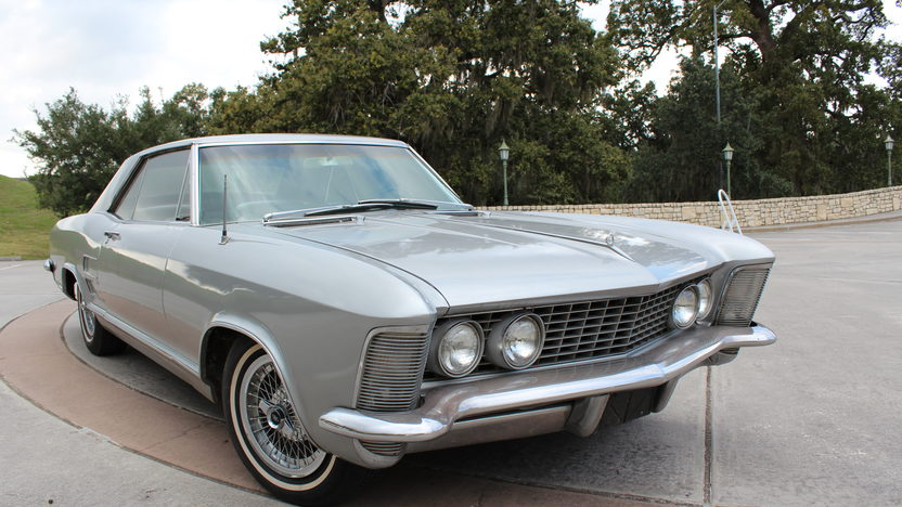 1964 Buick Riviera Coupe 425 CI, Automatic presented as lot T100 at Houston, TX 2014 - image8