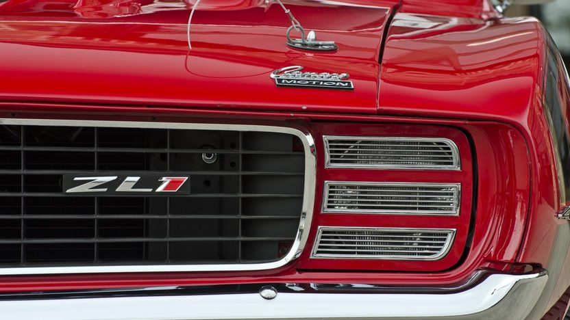 1969 Chevrolet Camaro RS/SS 427 CI, 4-Speed presented as lot S106.1 at Houston, TX 2014 - image9