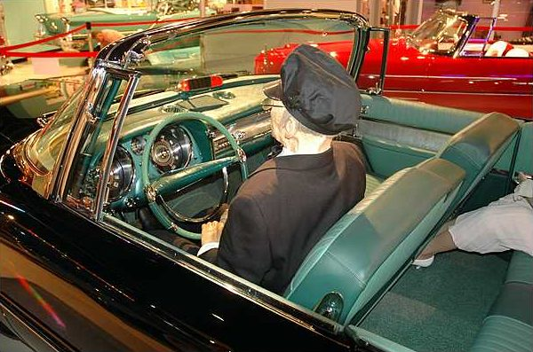 1957 Chrysler Imperial Convertible 392/325 HP, Automatic presented as lot S5 at Branson, MO 2009 - image3
