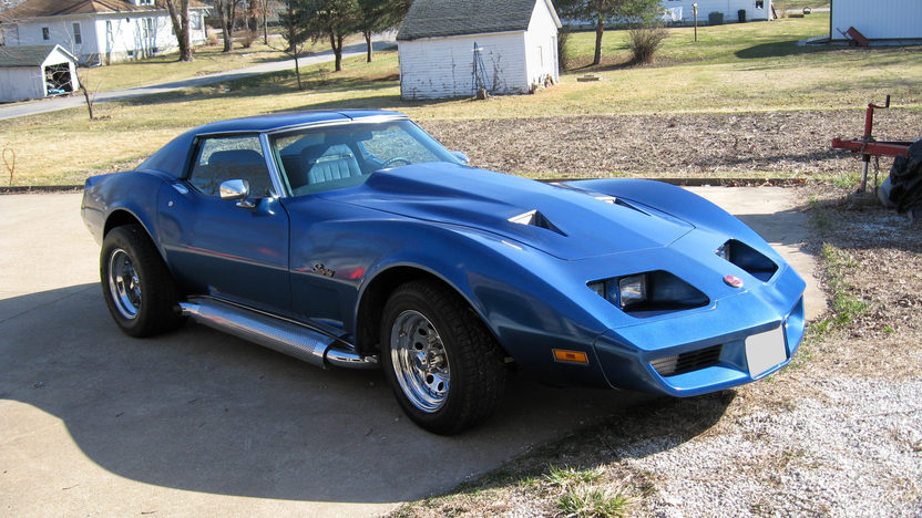 1975 Chevrolet Corvette Coupe 350 CI, 4-Speed Manual presented as lot F46 at Des Moines, IA 2009 - image2