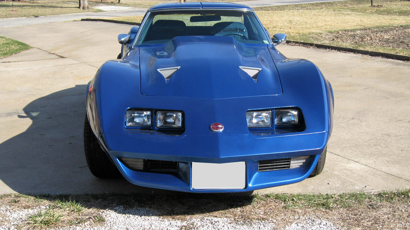 1975 Chevrolet Corvette Coupe 350 CI, 4-Speed Manual presented as lot F46 at Des Moines, IA 2009 - image4
