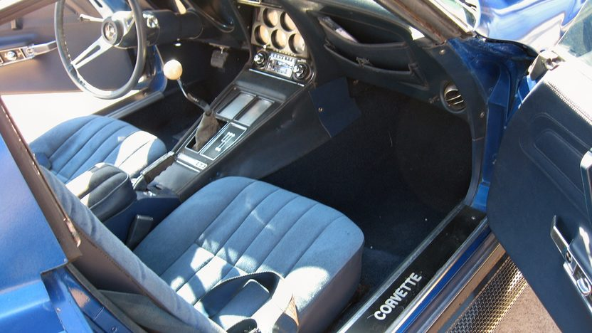 1975 Chevrolet Corvette Coupe 350 CI, 4-Speed Manual presented as lot F46 at Des Moines, IA 2009 - image5