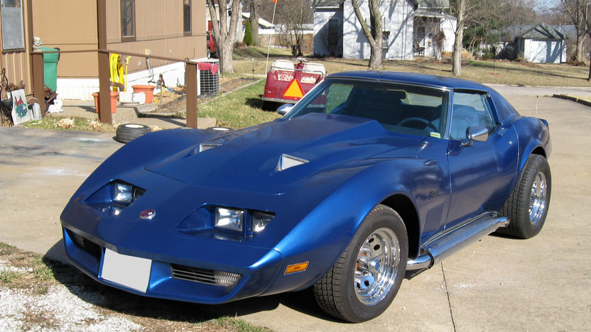 1975 Chevrolet Corvette Coupe 350 CI, 4-Speed Manual presented as lot F46 at Des Moines, IA 2009 - image7