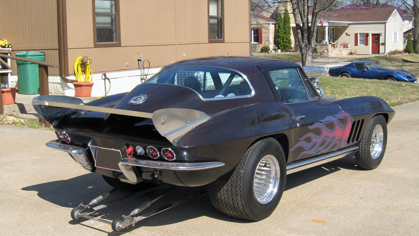 1966 Chevrolet Corvette Coupe 350/750+ HP, 4-Speed presented as lot F66 at Des Moines, IA 2009 - image2