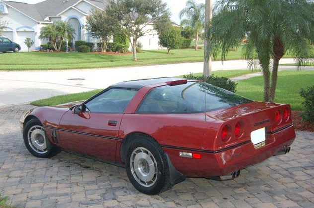 1987 Chevrolet Corvette Coupe 350/240 HP, 4-Speed Automatic presented as lot F94 at Des Moines, IA 2009 - image2