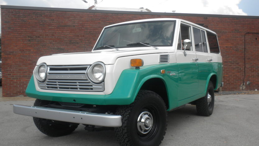 1972 Toyota Landcruiser FJ55 3.9 LITRE, 3-Speed presented as lot S172 at Des Moines, IA 2010 - image3