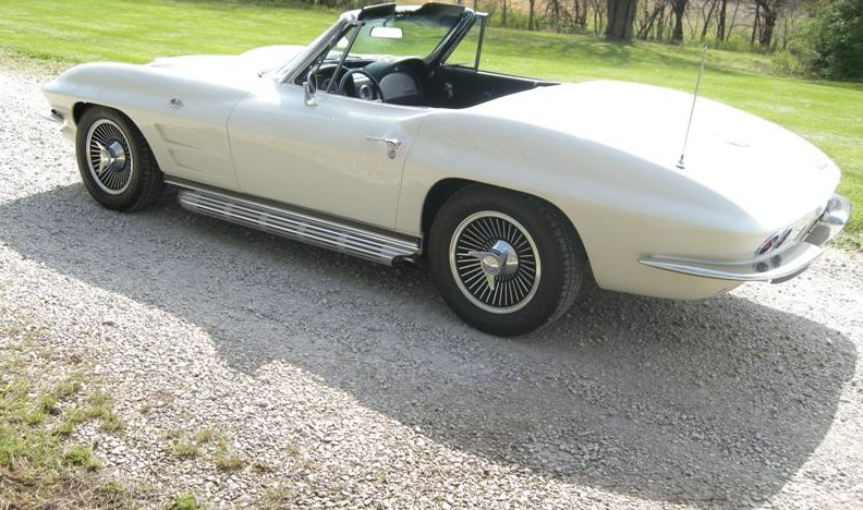 1963 Chevrolet Corvette Convertible 327/340 HP, 4-Speed presented as lot S107 at Des Moines, IA 2011 - image2
