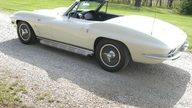 1963 Chevrolet Corvette Convertible 327/340 HP, 4-Speed presented as lot S107 at Des Moines, IA 2011 - thumbail image2