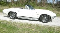 1963 Chevrolet Corvette Convertible 327/340 HP, 4-Speed presented as lot S107 at Des Moines, IA 2011 - thumbail image3