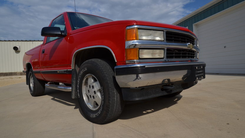 1995 Chevrolet K1500 Silverado Pickup 350 CI, Automatic presented as lot S166 at Des Moines, IA 2012 - image8