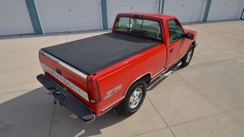 1995 Chevrolet K1500 Silverado Pickup 350 CI, Automatic presented as lot S166 at Des Moines, IA 2012 - image9