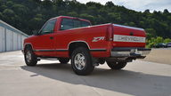 1995 Chevrolet K1500 Silverado Pickup 350 CI, Automatic presented as lot S166 at Des Moines, IA 2012 - thumbail image2