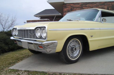 1964 Chevrolet Impala SS 2-Door Hardtop 327/300 HP, Automatic presented as lot S25 at Kansas City, MO 2010 - image3