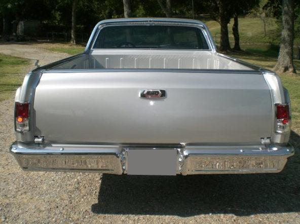 1964 Chevrolet El Camino Pickup 350/300 HP, Automatic presented as lot F219 at Kansas City, MO 2010 - image3