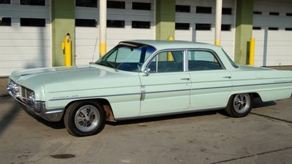 1962 Oldsmobile Super 88 4-Door