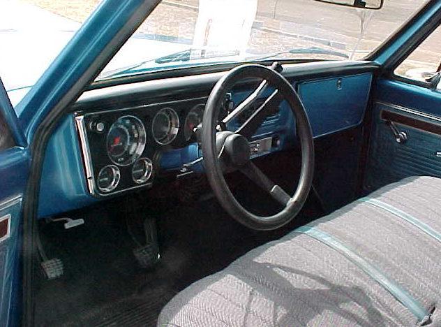 1971 Chevrolet C10 Pickup 350 CI, Automatic presented as lot F11 at Kansas City, MO 2010 - image3
